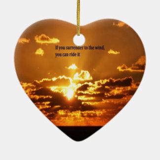 Citas inspiradas del nativo americano adorno navideño de cerámica en forma de corazón