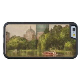 City - Boston Ma - Boston public garden Carved® Maple iPhone 6 Bumper