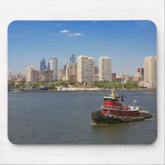 City - Camden, NJ - The city of Philadelphia Mouse Pad