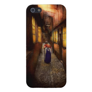 City - Germany - Alley - A long hard life 1904 iPhone SE/5/5s Case