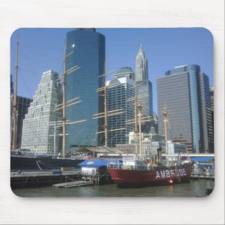 City Harbor Boats Mouse Pad