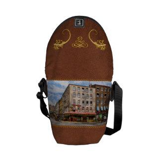 City - New York NY - Fraunce's Tavern 1890 Messenger Bag