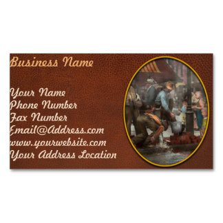 City - NY - Drinking water from a street pump 1910 Business Card Magnet