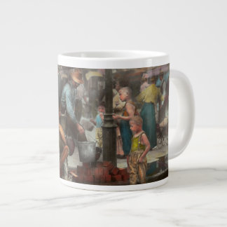 City - NY - Drinking water from a street pump 1910 Giant Coffee Mug