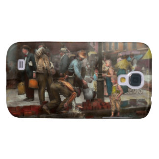 City - NY - Drinking water from a street pump 1910 Samsung S4 Case