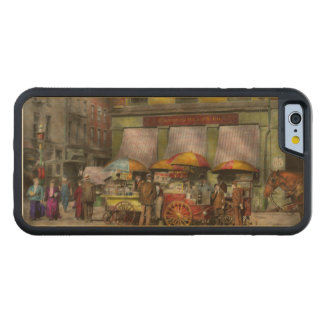 City - NY- Lunch carts on Broadway St NY - 1906 Carved Maple iPhone 6 Bumper Case