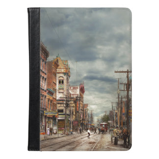City - NY - The ever changing market place 1906 iPad Air Case
