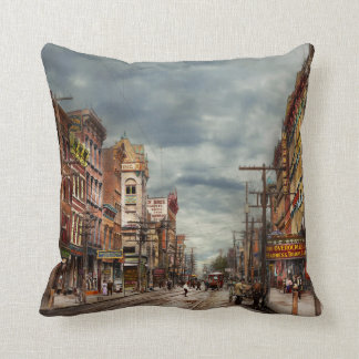City - NY - The ever changing market place 1906 Throw Pillow