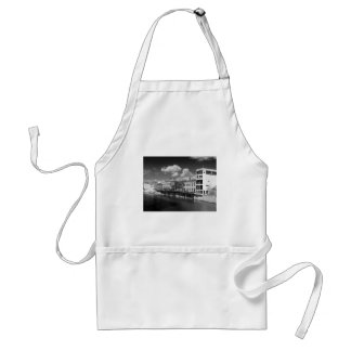 City of York River Ouse vies riverscape. Adult Apron