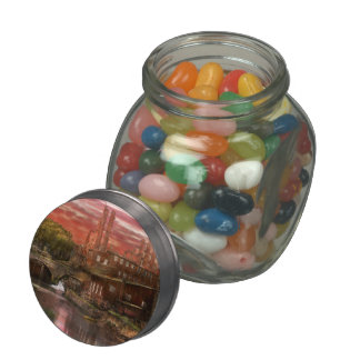 City - Ricmond - After the fighting stopped 1865 Glass Candy Jar