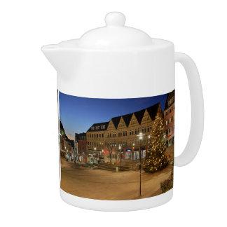 City victories market place to the blue hour teapot
