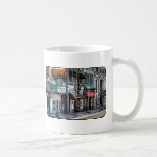Ciudad - abajo de una calle fina tazas de café