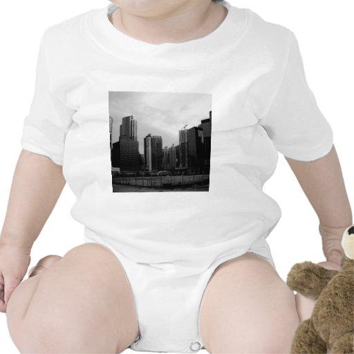 Ciudad abandonada ciudad abstracta camisetas