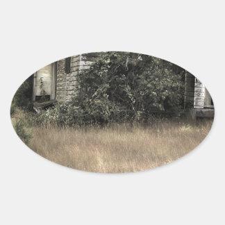 Ciudad abstracta Verlassenes Haus Pegatinas De Oval Personalizadas