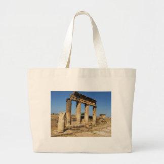 Ciudad antigua de Hierapolis - un centro pagano de Bolsas