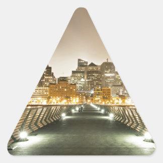 Ciudad de ángulos pegatina triangular