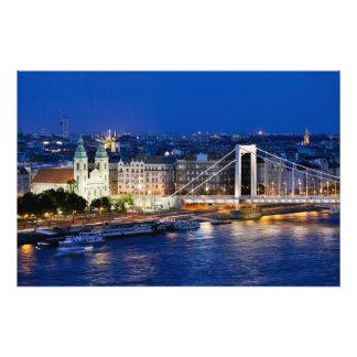 Ciudad de Budapest en la noche Arte Fotografico