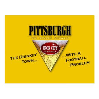 Ciudad de consumición con un problema del fútbol tarjeta postal