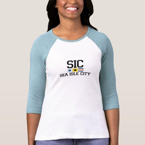 Ciudad de la isla del mar camisetas
