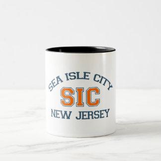 Ciudad de la isla del mar taza de café