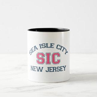 Ciudad de la isla del mar tazas de café