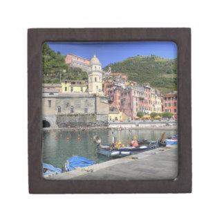 Ciudad de la ladera de Vernazza, Cinque Terre, Lig Caja De Regalo De Calidad