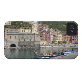 Ciudad de la ladera de Vernazza, Cinque Terre, Lig iPhone 4 Case-Mate Cobertura