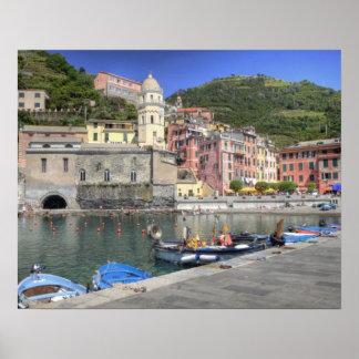 Ciudad de la ladera de Vernazza, Cinque Terre, Lig Póster
