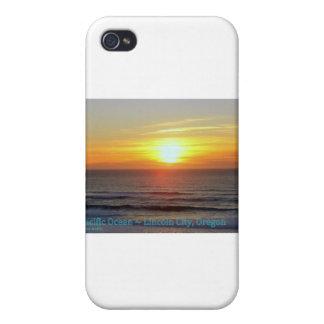 Ciudad de Lincoln, Oregon - puesta del sol iPhone 4 Carcasas