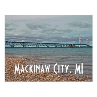 Ciudad de Mackinaw del puente de Mackinac, postal