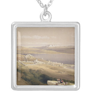 Ciudad de Tiberíades en el mar de Galilea Collar Plateado