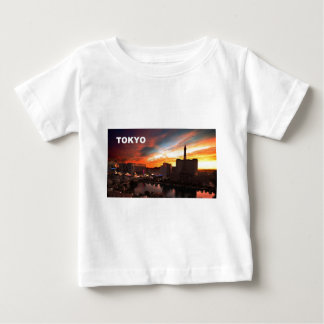 Ciudad de Tokio en el crepúsculo (St.K) T-shirts