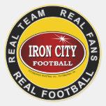 Ciudad del hierro - equipo real, fans reales, fútb etiqueta redonda