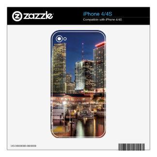 Ciudad del horizonte de Miami en la Florida iPhone 4 Calcomanías