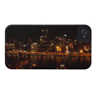 Ciudad del negro y del oro Case-Mate iPhone 4 carcasas