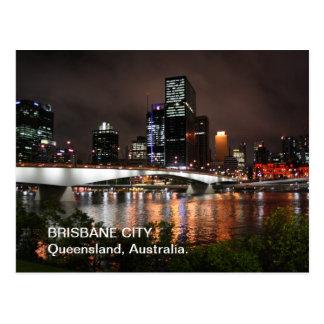 Ciudad del río de Brisbane en la postal de la