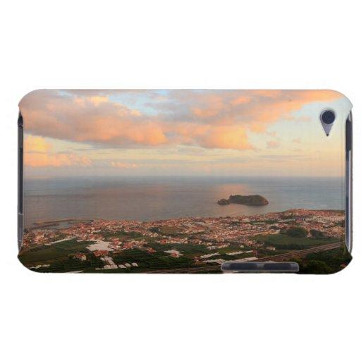 Ciudad en las Azores iPod Case-Mate Coberturas
