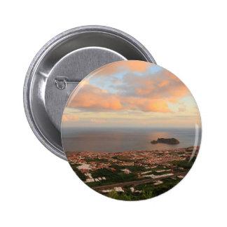 Ciudad en las Azores Pin Redondo De 2 Pulgadas