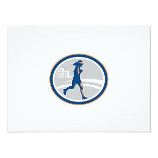 """Ciudad femenina del corredor de maratón retra invitación 6.5"""" x 8.75"""""""