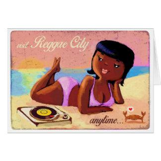 Ciudad galón del reggae en la playa tarjeta de felicitación