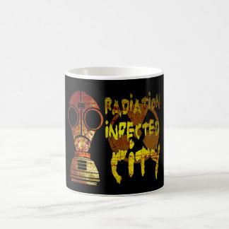 Ciudad infectada radiación (baja) taza clásica