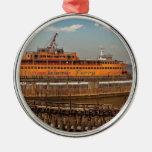 Ciudad - NY - el transbordador de Staten Island Adorno Navideño Redondo De Metal