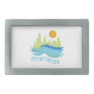 Ciudad por el mar hebillas cinturón rectangulares
