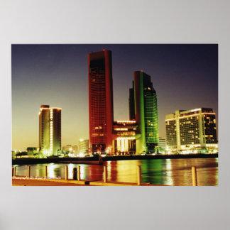 Ciudad por la bahía póster