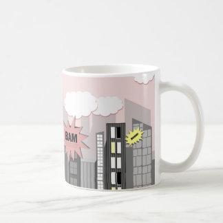Ciudad rosada del superhéroe taza de café