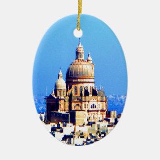 ciudad sublime de la bóveda de la iglesia adorno navideño ovalado de cerámica