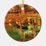 Ciudad - Vegas - el veneciano en la noche Ornamento De Navidad