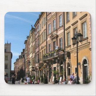 Ciudad vieja acogedora en Varsovia Alfombrilla De Raton