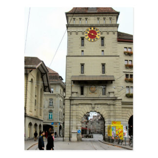 Ciudad vieja de Berna - torre de reloj medieval Postal