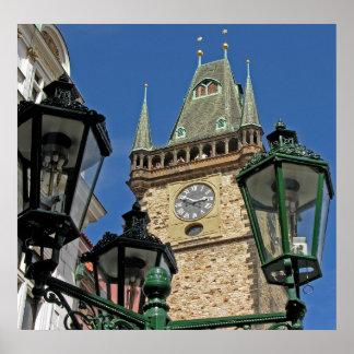 Ciudad vieja de la torre de reloj de la iglesia Pr Impresiones